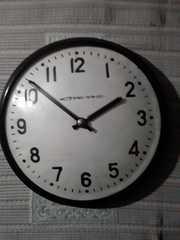 Продам ретро  часы  уличные  в рабочем состоянии.  Висели на улицах го